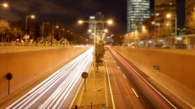 Rush of night time traffic on motorway in timelapse scene, barcelona, spain — Stock Video