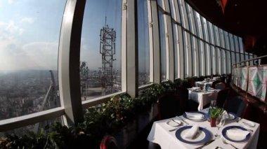 Obrotowy restauracja na szczycie world trade centre w Meksyku — Wideo stockowe