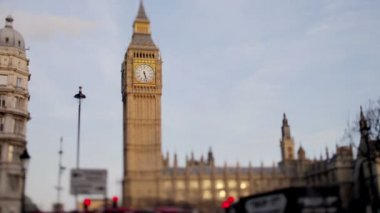 Timelapse del big ben di londra, con traffico, girato con una lente tilt shift — Video Stock
