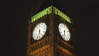 Big ben clock in london, during 30 minutes speeded up — Stock Video