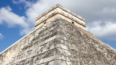 Timelapse of the mayan ruins at chichen itza, mexico. — Stock Video