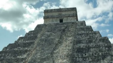 Timelapse of the mayan ruins of chichen itza, mexico. — Stock Video