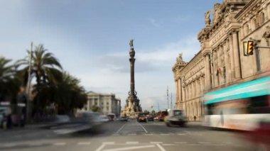 Rush of traffic at colon, barcelona, spain — Stock Video