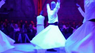 Girato nel corso di una cerimonia sema, di danzatori dervisci sufi — Video Stock