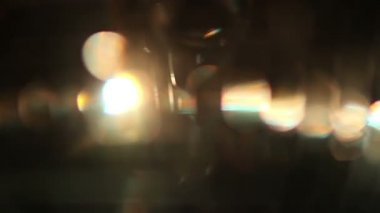 Funky discoball spřádání a odrážející světlo — Stock video