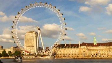 The london eye millenium wheel — Stock Video