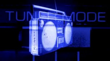 Stopmotion di un fantastico cercando retrò ghetto blaster gira intorno — Video Stock
