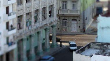 Tilt and shift timelapse of a street scene in havana, cuba — Stock Video