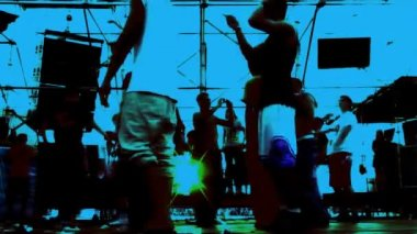 长时间曝光拍摄技术来捕获跳舞 — 图库视频影像
