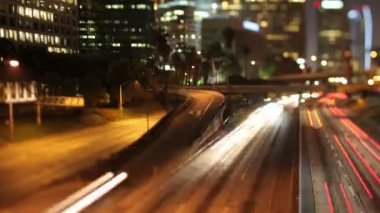 Timelapse of traffic on freeway in downtown los angeles — Stock Video