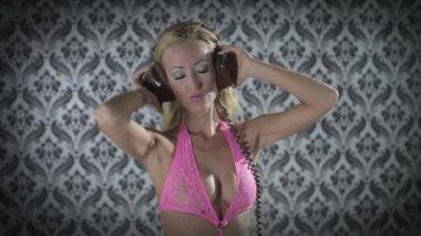 Sexy professional gogo lily malibu shot dancing and posing — Stock Video