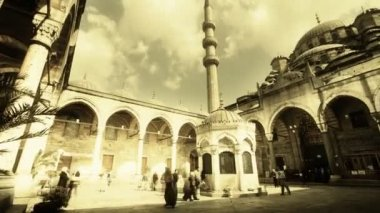 A panning timelapse inside the yeni cami mosque — ストックビデオ