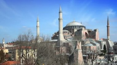 A panning timelapse of the hagia sofia church in istanbul — Vídeo de stock