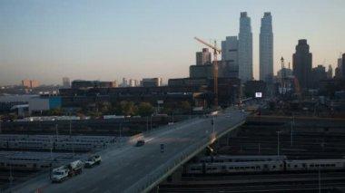 Timelapse midtown manhattan skyline z vysoce vantage bod při východu slunce — Stock video
