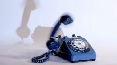 Stopmotion de un viejo estilo teléfono sonando — Vídeo de stock