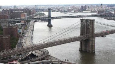 Lower manhattan skyline and brooklyn bridge from a high vantage point — Stock Video