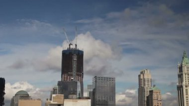 View of the freedom tower being built, where the twin towers stood — Stock Video