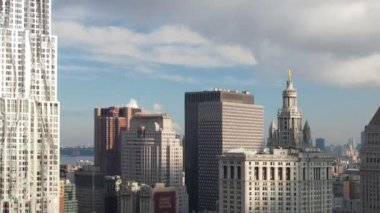 Timelapse of lower manhattan skyline and gehry building — Stock Video