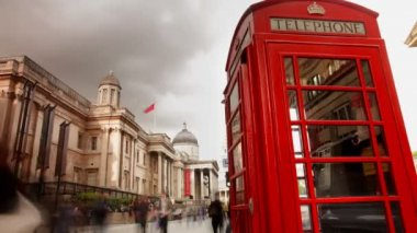 A famous london phone box — Stock Video