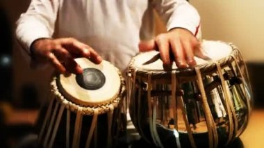 Close-up of man playing the tabla drum — Stock Video
