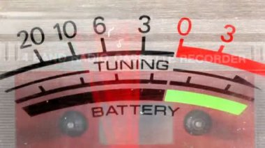 Power and battery levels on old ghetto blaster moving — 图库视频影像