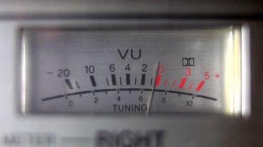 古いゲットーブラ スター移動上の uv 電源とバッテリ レベル — ストックビデオ