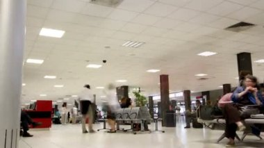 Rome airport waiting lounge — Stock Video