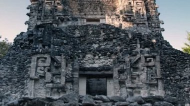 Time-lapse of the mayan ruins at xpujil, mexico — Stock Video