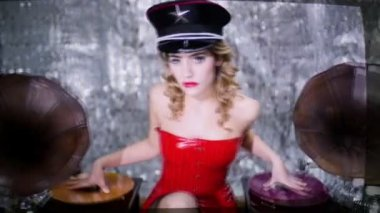 Music babe beautiful dj woman gramophone — Stock Video