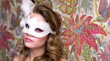 Sexy female with venetian carnival mask — Stock Video
