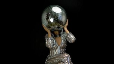 Discoball head woman in silver catsuit — Stock Video