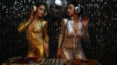 Sexy disco dj party women music — Stock Video