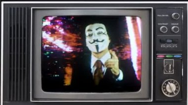 A man with an anonymous v for vendetta mask — ストックビデオ