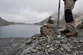 Trekking near the alpine lakes — Stock Photo
