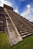 The stairs of quetzalcoatl — Stock Photo