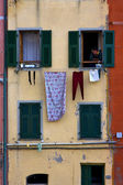 Windows in the city of riomaggiore — Stock fotografie