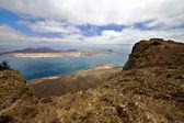 Haven rock stenen hemel wolk strand water kustlijn graciosa — Stockfoto