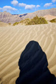 Montaña duna amarillo abstracto en la España de lanzarote — Foto de Stock