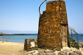 Tower s black rocks in the lanzarote — Stockfoto