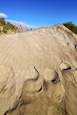 Hil abstraktní duny pláže a hory v lanzarote, Španělsko — Stock fotografie
