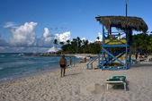 Lifeguard chair cabinrepublica dominicana rock stone — Stock Photo