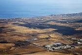 взгляд из и дом береговой линии — Стоковое фото