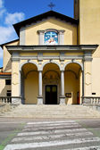 Zebra crossing church albizzate  italy the old wall — Stock Photo