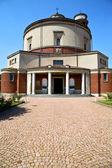 意大利教堂钟声钟表到 lonate ceppino 摘要 — 图库照片