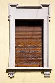 Besnate   varese italy       wood venetian blind in  concrete  b — Stock Photo