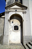 Italy  sumirago church  varese   entrance and mosaic   daY — Stok fotoğraf