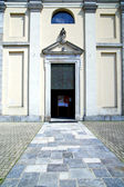 Italy  sumirago church     the old door entrance and mosaic  d — Stok fotoğraf