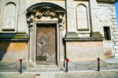 Italy church santo   varese  the old door entrance — Stok fotoğraf