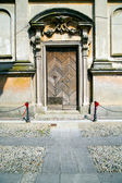 Italy church santo antonino  the old door entrance — Stok fotoğraf