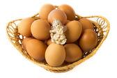 Huevos en el fondo blanco — Foto de Stock